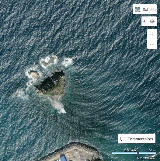 Tigzirt ; ilot à l'aïl (Bing Maps)